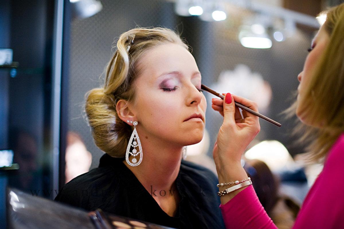 make up & hair stylist služby vizáž a účesy